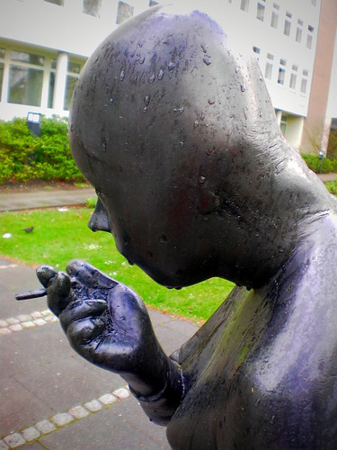 Zigarette im Regen | by Elias Schwerdtfeger