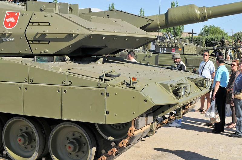 Leopard 2E (8)