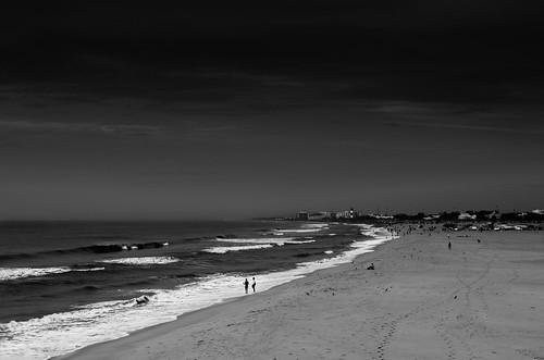 blackandwhite bw india seascape beach monochrome marina 35mm landscape sand nikon scenery waves cloudy sigma marinabeach chennai tamilnadu தமிழ்நாடு sigma35mm சென்னை d7000 moodymarina sigma35mmf14dghsmart மரீனா