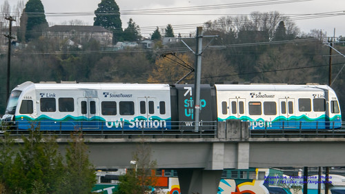 Widescreen of @SoundTransit Chrome Train