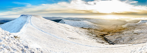 landscape winter alannewman mountains penyfan snow an1 an1photography breconbeacons valley corndu mountain panoramic neuadd breconbeaconsnationalpark an1uk anewman ice libanus wales unitedkingdom gb