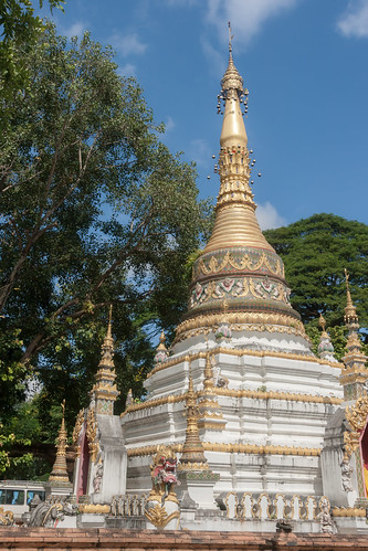 2013-11-19 Thailand Day 12, Wat Chai Mongkol, Chiang Mai | by Qsimple, Memories For The Future Photography
