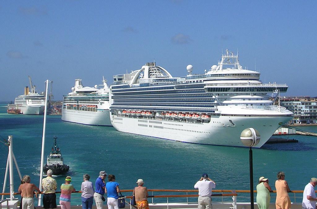 Cruises To Aruba >> Aruba Three Cruise Ships Three Cruise Ships Carrying A T Flickr