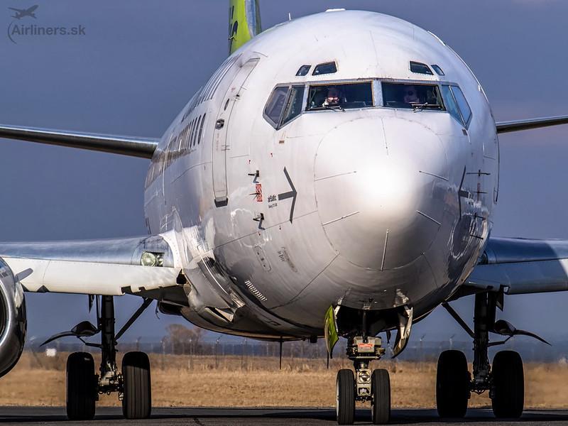 YL-BBY Air Baltic Boeing 737-36Q(WL)
