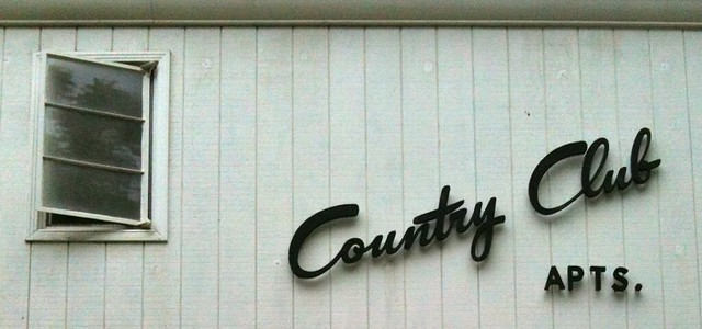 Country Club Apts.