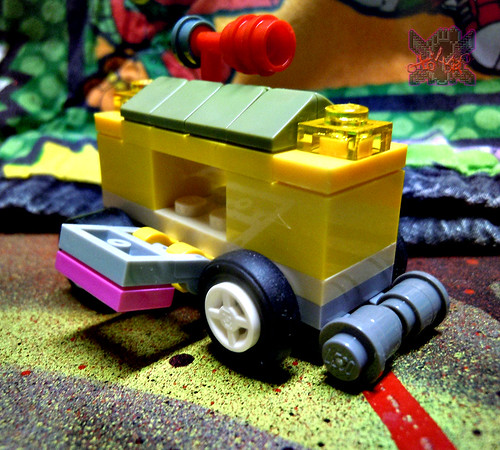 "LEGO TEENAGE MUTANT NINJA TURTLES :: ""Mikey's Mini-Shellraiser"" ix   (( 2014 )) 
