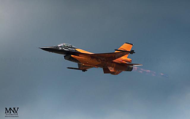 RNLAF F-16 Solo Demo Team