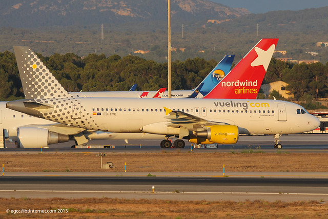 EC-LVC - 2000 build Airbus A320-214, taxiing to gate on arrival at Palma just minutes before sunset
