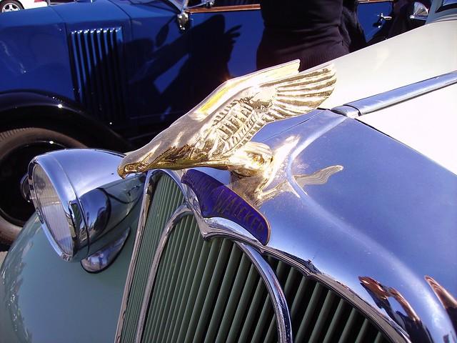 Chenard-Walcker hood ornament