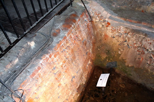 Charleston: Old Exchange and Provost Dungeon - Half-Moon Battery Seawall | by wallyg