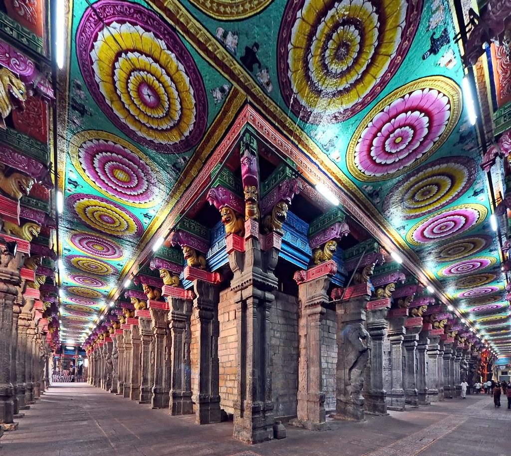 India - Tamil Nadu - Madurai -  Meenakshi Amman Temple - 9