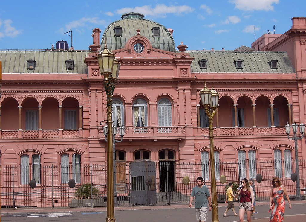 Argentina (Buenos Aires)- Casa Rosada (Pink House). Left b ...