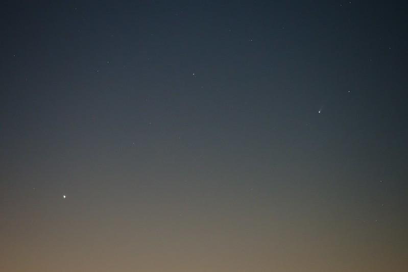 水星とアイソン彗星 (2013/11/22 05:17)