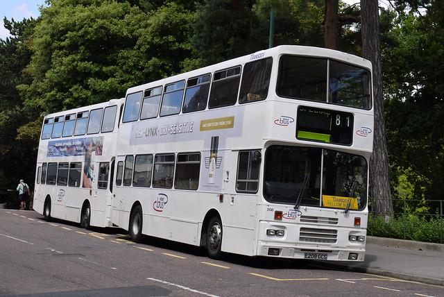 Transdev Yellow Buses 208 (E208GCG)