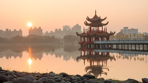 sunrise reflections landscape temple taiwan olympus kaohsiung 高雄 em1 日出 lotuspond 左營 蓮池潭 zuoying 1240mmf28
