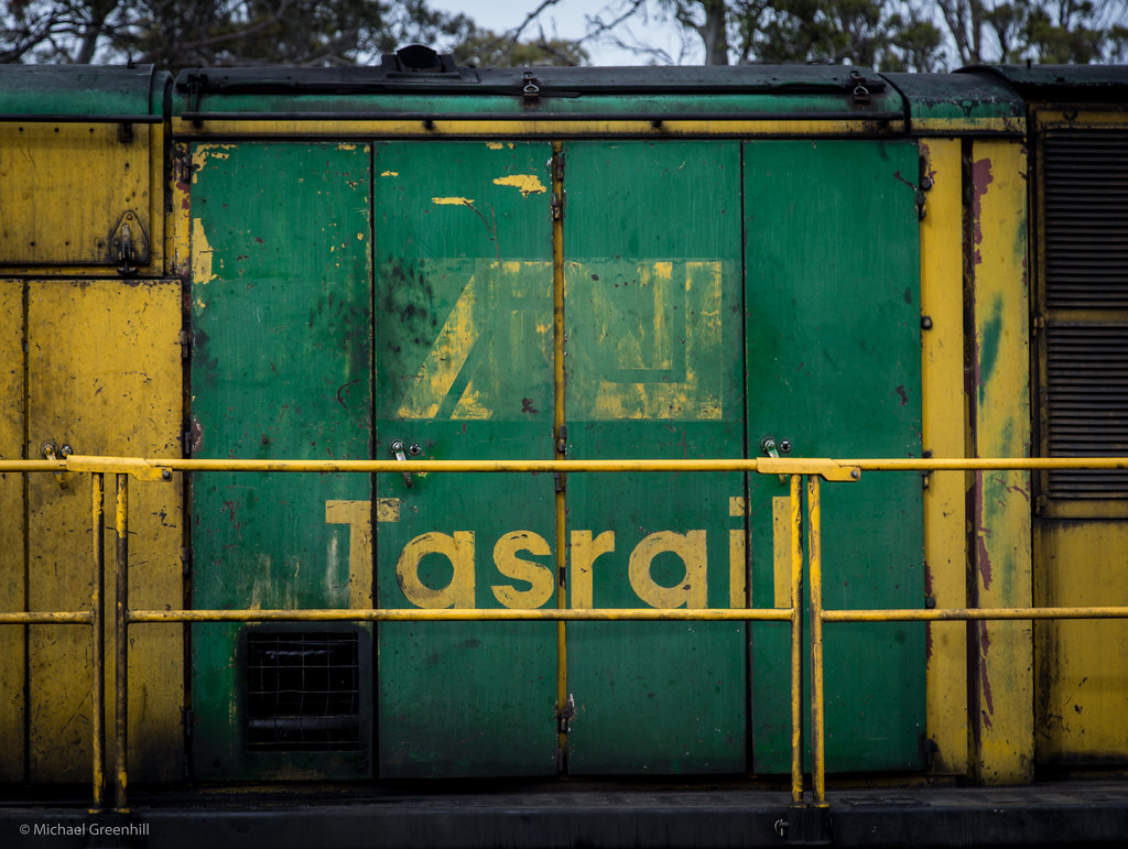 AN Tasrail by michaelgreenhill