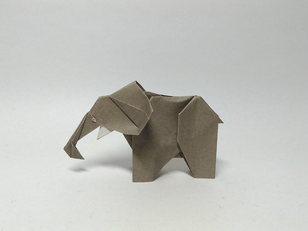 Elephant by Hagiwara Gen
