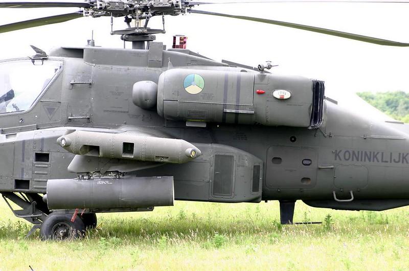 Boeing Apache AH-64D 2