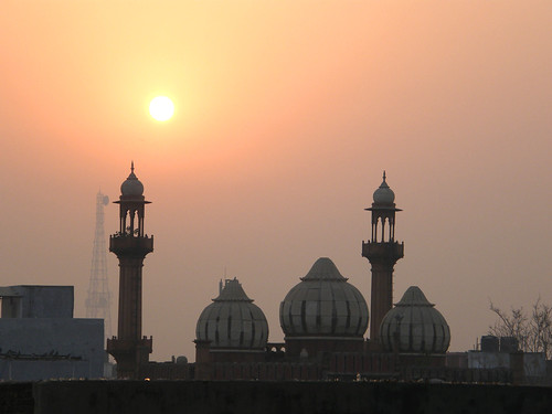 india delhi paharganj mainbazaar qaziwalimosque sunrise theindiatree worldtrekker