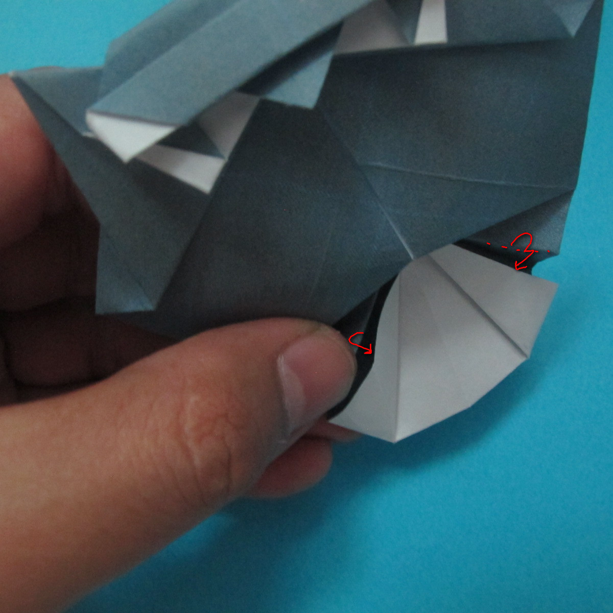 วิธีการพับกระดาษเป็นรูปนกเค้าแมว 036