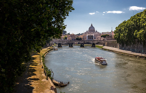 Cruise On The Tiber | by Darren Flinders