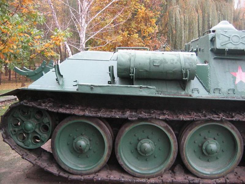 SU-100 Krasnodar (4)