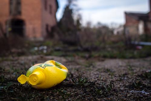 Gelber Müll   by Frank Lindecke