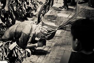 07/Hugas dugo/By Kimmy Baraoidan | by Filipina Storytellers