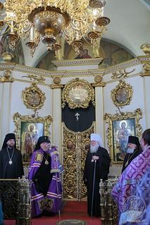 Литургия в Покровском соборе 400