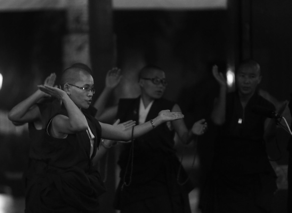 2016.01.18 Gyalwang Karmapa Teaches on Generating Equal Compassion for All Beings; Presents Vision for Monastic College for Kagyu Nuns