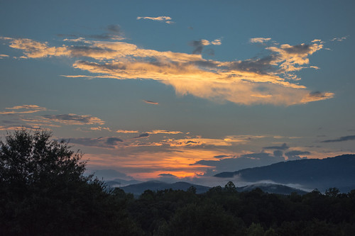 theredhorseinn sunset blueridgemountains greenville sc landrum