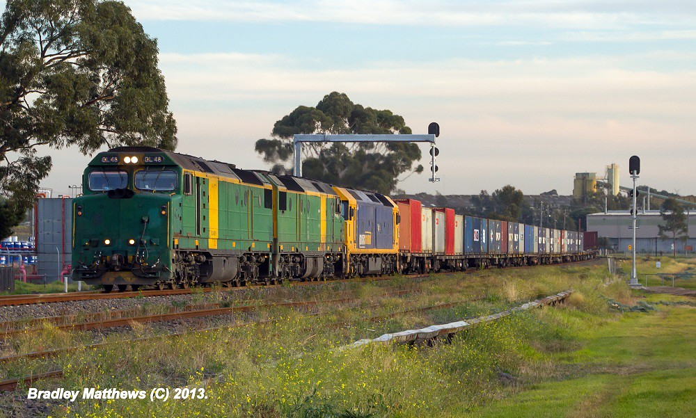 DL48 (AN)-DL43 (AN)-G530 (PN) on 4MC2 to Griffith at Albion (22/5/2013) by Bradley Matthews