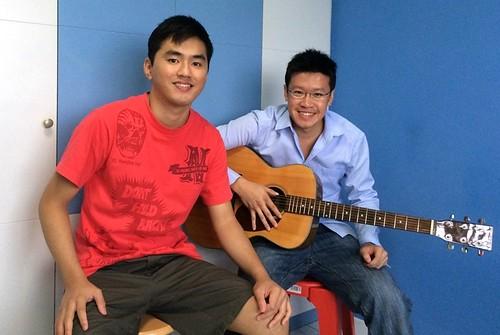 Beginner guitar lessons Singapore Raymond