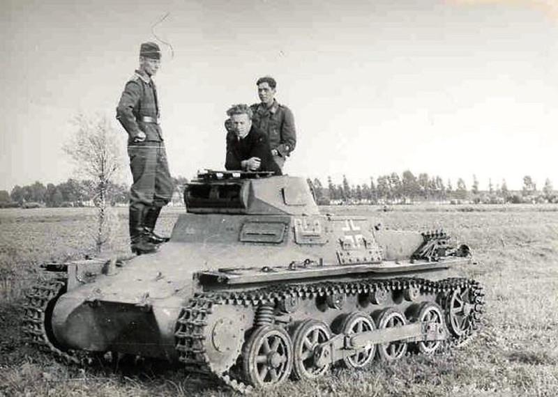 Panzer I & II (5)