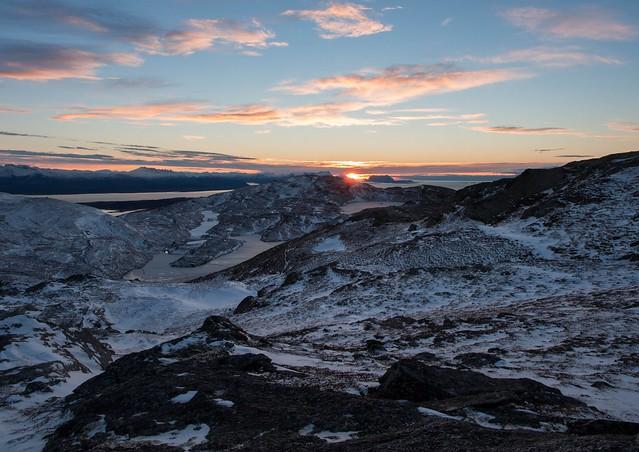 Solnedgang i det fjerne ved Fugløya!