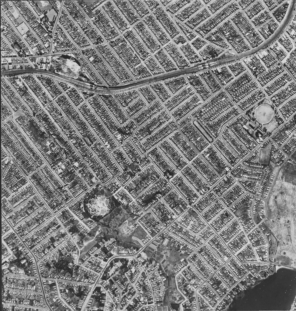 Allawah, Carlton & Carss Park 1953 - Sydney aerial photo