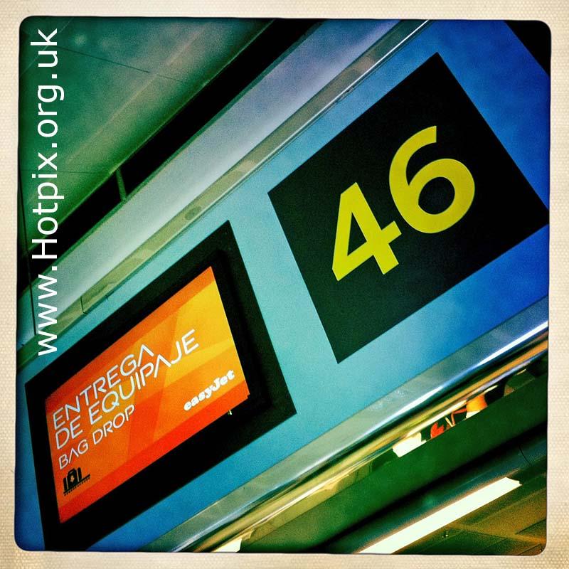 integer,integers,no,number,46,forty,six,fortysix,series,airport,aeropeurto,Tenerife,travel,flight,flights,tour,tourist,tourists,gate,spain,bag,drop,easyjet,tonysmith,tony,smith