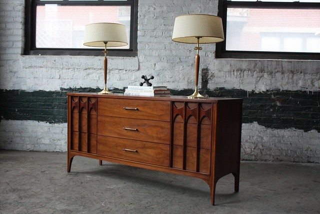 No Brainer Kent Coffey Pespecta Mid Century Modern Long Dresser (U.S.A., 1960s)