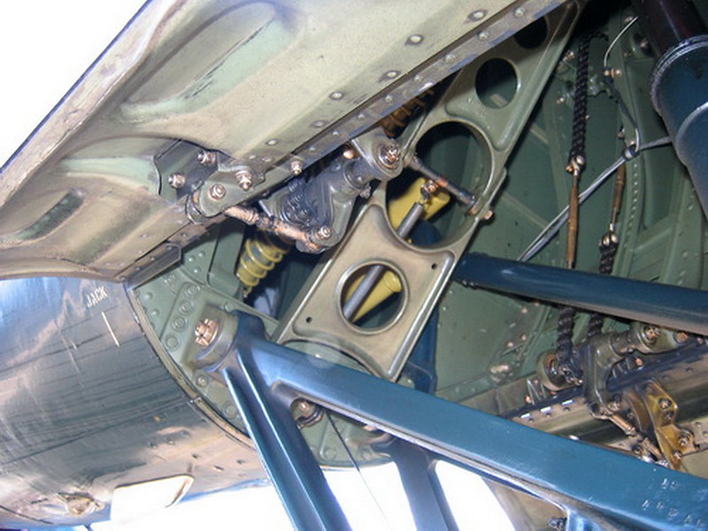 F4U-4 Corsair (23)
