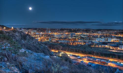 city moon göteborg view sweden gothenburg ramberget sverige bluehour hdr d610
