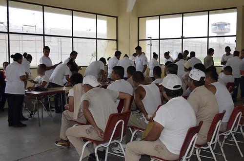 Realizan brigadas de la salud para internos del penal de La Pila | by La Jornada San Luis