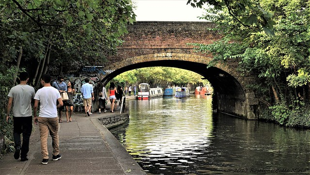 Walking along the Regent's Canal