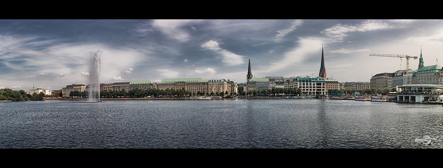 Hamburg, Binnenalster Panorama - View from Neuer Jungfernstieg