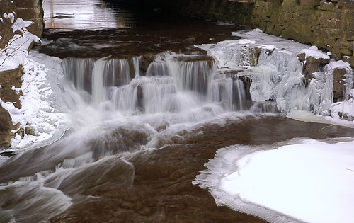 waterfall urbanwaterfall tunnelfalls corbettsglen allenscreek {vision}:{sky}=0552 {vision}:{outdoor}=0757