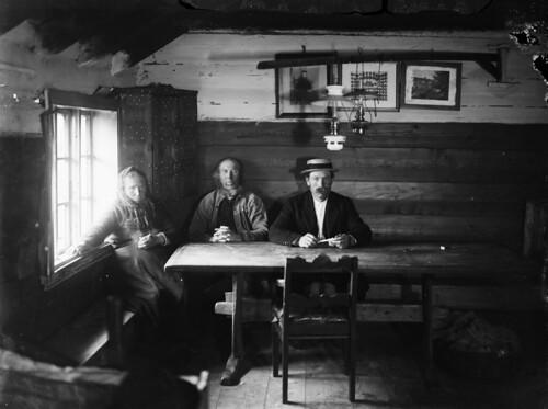 Living room interior, ca. 1910-1920 | by Fylkesarkivet i Sogn og Fjordane