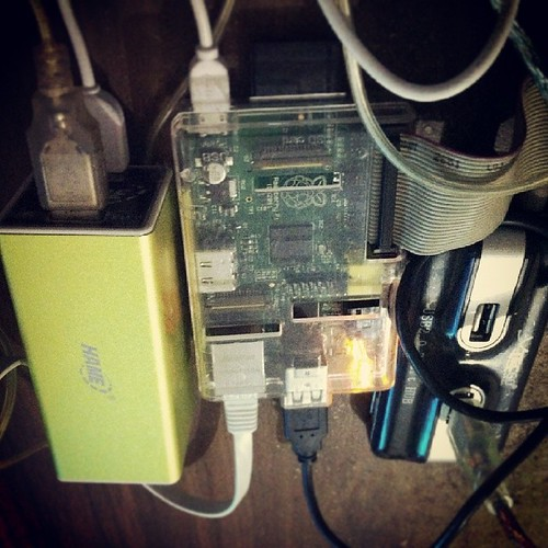 Cutting backfeed from el cheapo USB hub to make friend with dual rating power bank & Raspberry #Pi. Hard disk unstable yet | by naiaru
