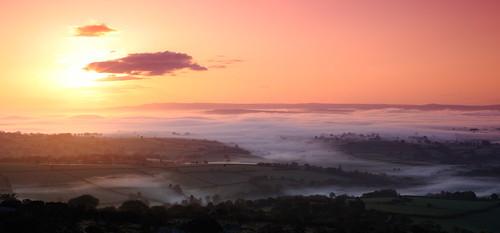 sun mist fog sunrise 50mm cornwall rise zuiko bodminmoor bodmin markjacob