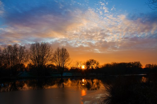 sunset sky sun lake reflection nature silhouette clouds river landscape bedford golden sundown bedfordshire flare felton lumen robertfelton theembankment longholmelake thegreatouse