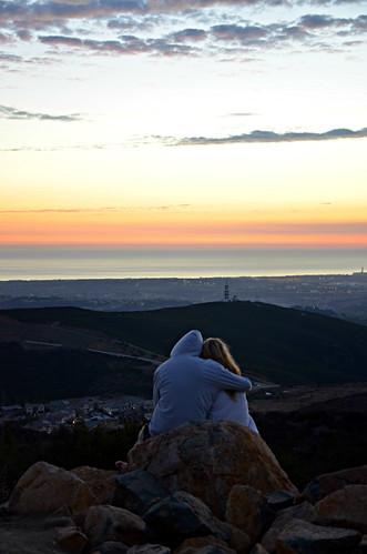 artforthegloryofgod ilobsteritcaliforniasandiegosanmarcosart4theglryofgodsunsetdoublepeakparkdusknikond7000cutecouplecloudschristianpacificocean1000views people art4theglryofgod couple california doublepeakpark sunset oceanview