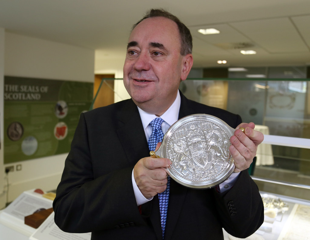 First Minister Alex Salmond with Great Seal of Scotland | Flickr